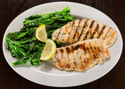 North State Pizza Grilled Chicken with Broccoli Rabe